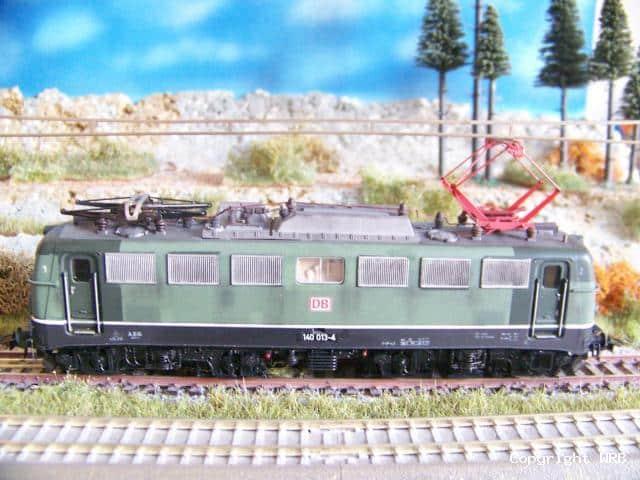 BR 140 013 mit Verschmutzungsspuren, Patchwork
