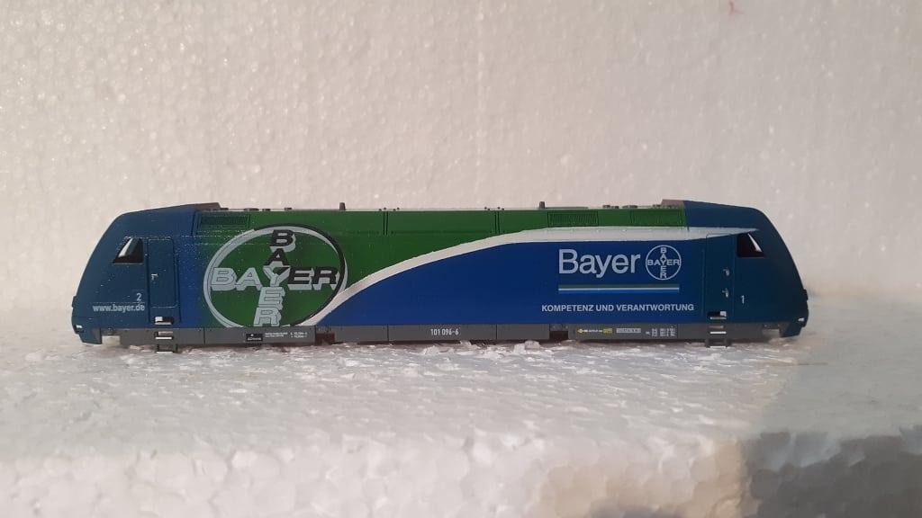 BR 101 096 Bayer - Modell Tillig, Beschriftung Fa. Hartmann, Lok wurde aufwendig in Airbrush lackiert und mit Decals beschriftet.