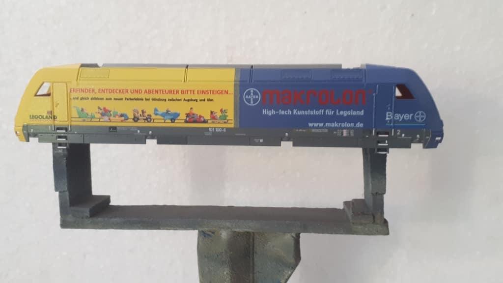 BR 101 110 Bayer Makrolon Legoland auf Basis Tillig TT-Modell