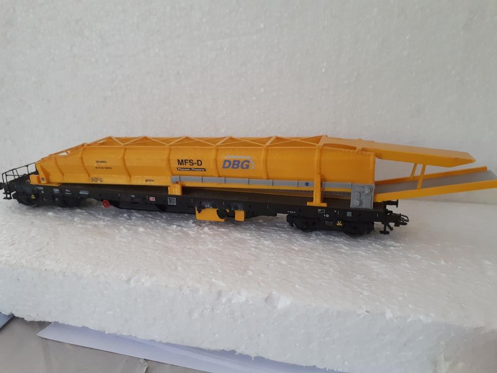 Materialförderer für den Gleisbauzug um Schotter zu erneuern und abzutransportieren.